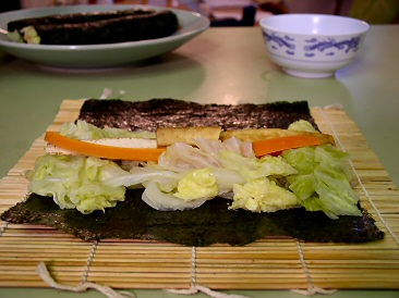 Making nori rolls