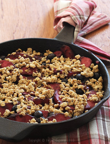 Berry-Apple Skillet Crumble
