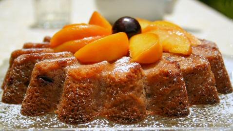 Rosy Peach Cake