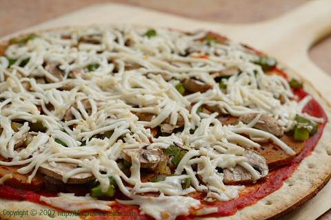 Veggeroni Pizza