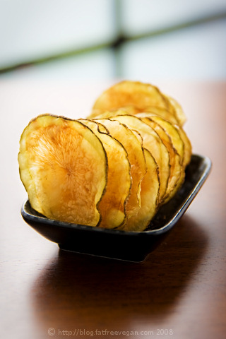 http://blog.fatfreevegan.com/images/potato-chips.jpg