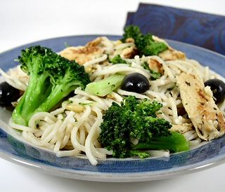 "Hasty Tasty Pasta with Broccoli, Olives, and ""Chicken"""