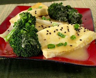Tofu and Broccoli with Pineapple Sauce