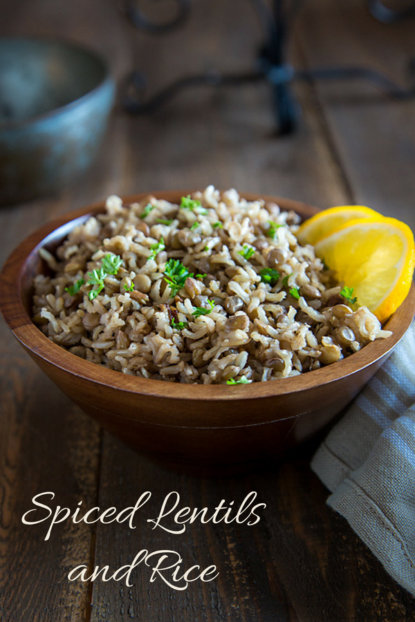Spiced Lentils and Rice: Spiced but not spicy, this Middle Eastern-inspired lentils and rice recipe gets its rich flavor from cinnamon, cloves, and cumin. #vegan #wfpb #middleeastern #recipe