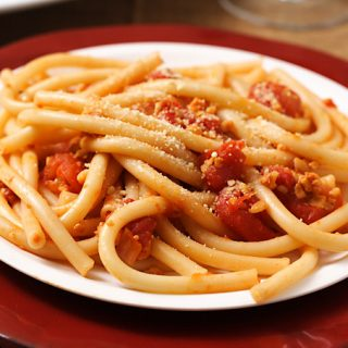 Vegan Bucatini all'Amatriciana