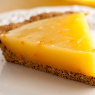Calamondin (or Lemon) Pie with Oatmeal Cookie Crust