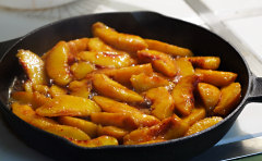 Peaches in skillet