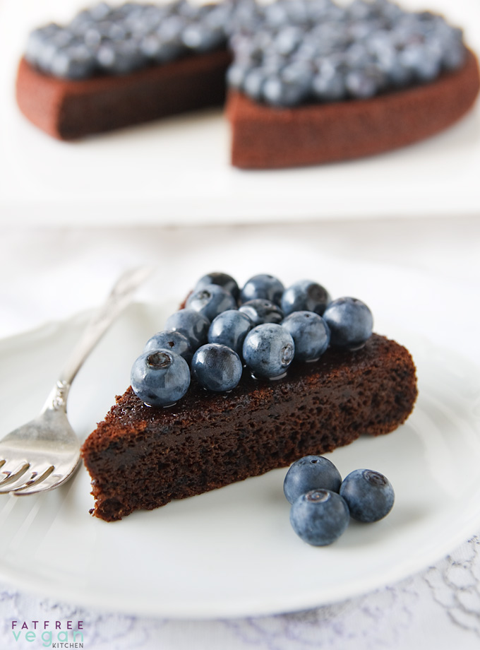 Whole wheat, refined-sugar free Chocolate-Blueberry Cake