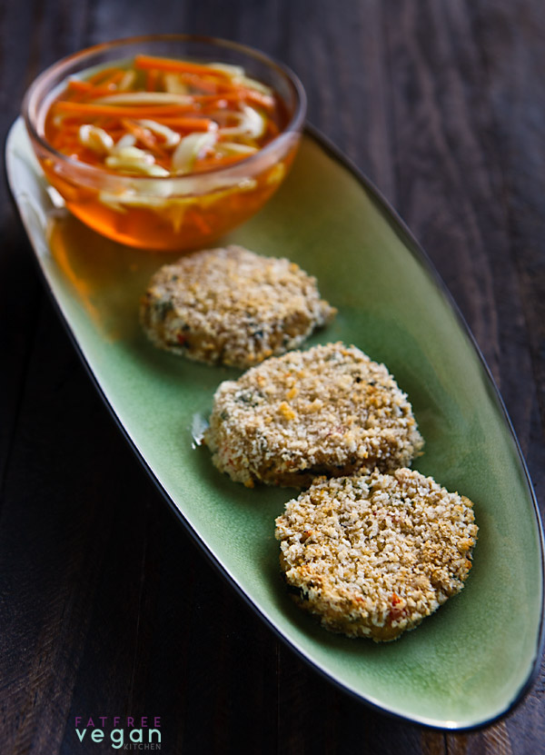 Green Curry Tofu Cakes: These appetizer-sized cakes are like vegan Thai fish cakes and use the sea vegetable arame to give them a slight flavor of the ocean.