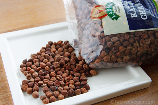 Black Chickpeas or Garbanzos (kala chana)
