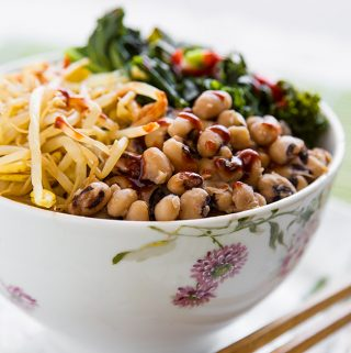 Korean-Inspired Black-eyed Peas and Kale Bown