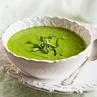 Minty Raw Pea and Spinach Soup