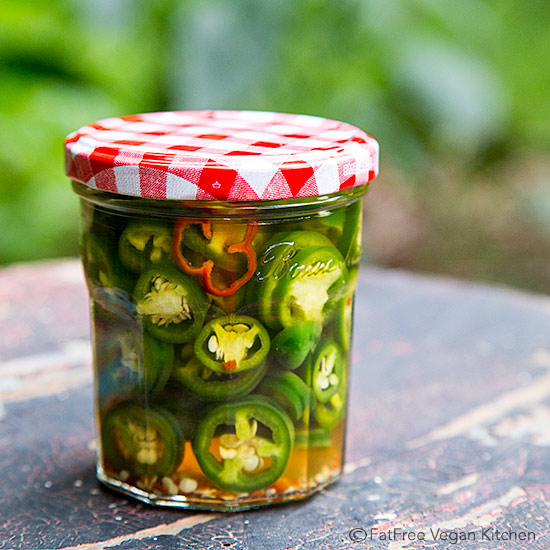 Ridiculously Easy Jalapeño Pickles