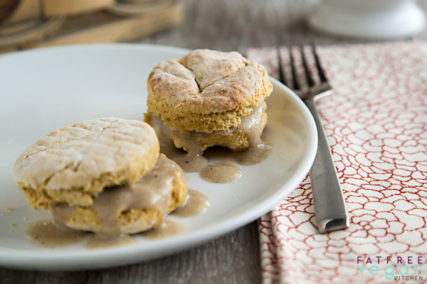 911 Vegan Gravy with Fat-Free Vegan Biscuits